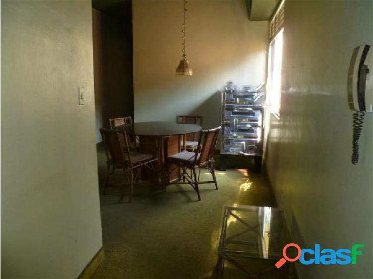 Se vende Apto. en Clnas. de Guataparo # 20-11804 OPM 1