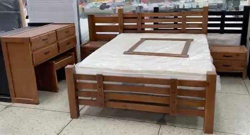 Juego de dormitorio matrimonial, en madera laqueada