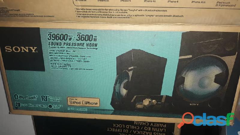 Sistema de alta fidelidad Marca Sony con muy poco uso en su caja.