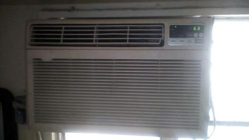Aire acondicionado lg de 12 mil btu con control corrient 110