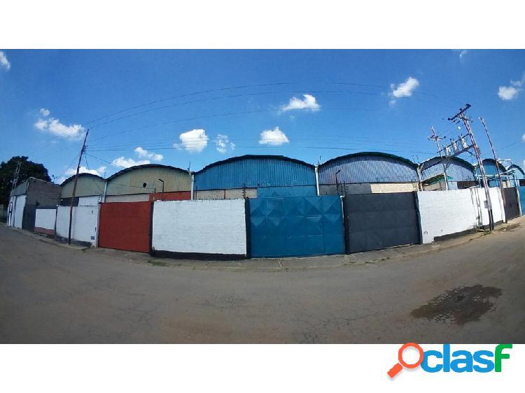 Se vende galpón en urb. lizandro alvarado 0424-4404205 cod:12882**