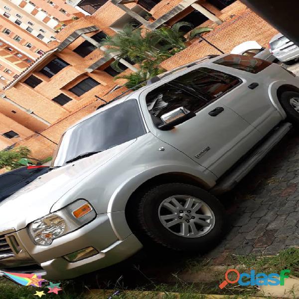 Camioneta Explorer Limited año 2010 v8 4x4 90.000km