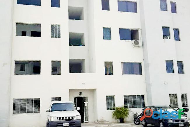 Se Vende Apartamento a Estrena Urb. Paraparal Los Guayos   RCS19