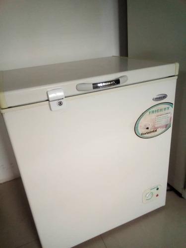 Congelador refrigerador de 200 litros marca frigilux