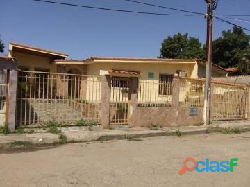 Casa en venta en paraparal, los guayos, carabobo, enmetros2, 19 81004, asb