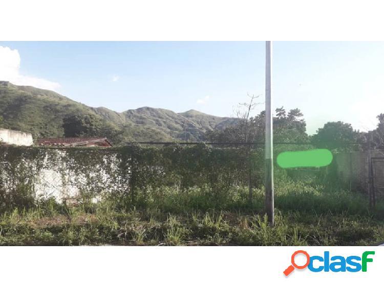 Terreno en palmarito urbanización el castaño maracay