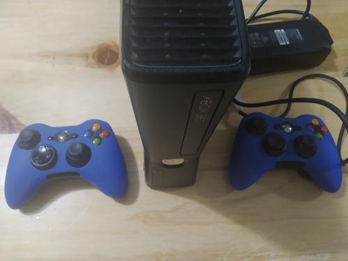 Xbox 360 320gb chip 2controles 2 juegos originales perfecto