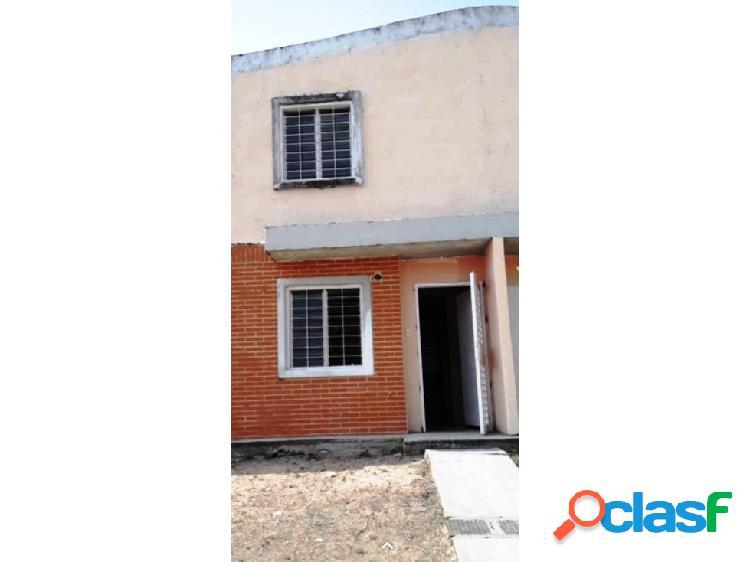 Townhouse a estrenar en conjunto residencial tierranueva, valencia
