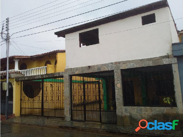 Ancoven vende town house en naguanagua