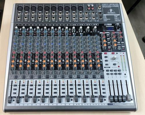 Consola behringer 2442 usb 24 canales