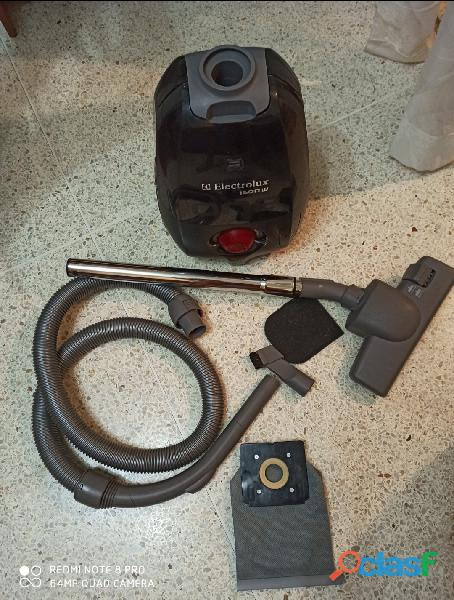Aspiradora doméstica electrolux 1600w