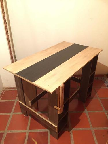 Mesa de carpintería de madera rectangular