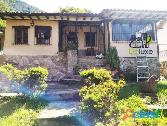 Amplia Casa con áreas verdes y clima de montaña, La Pedregosa Alta