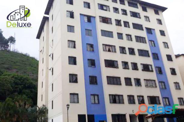 Bello Apartamento de 86m2, en Conjunto Privado en la Urbanización Campo Claro