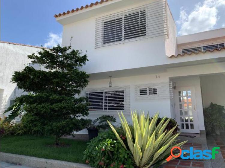 Casa en Venta, Urb Las Clavellinas, #20-4846 AJC 04244616444