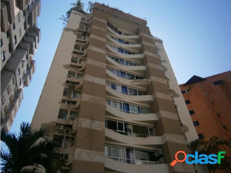 Apartamento Venta El Bosque Res Macarena CD:20-11037 ORG