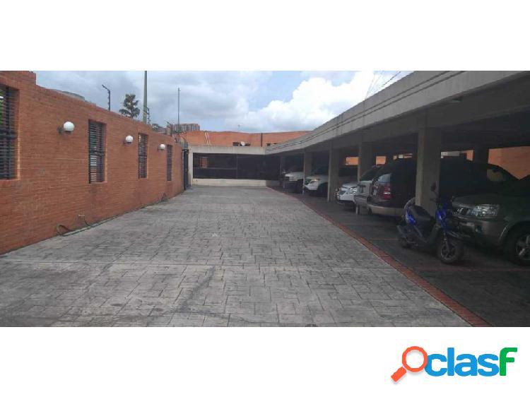 Se vende casa 177m2 5h+s/5b+s/2p Lomas de la Trinidad 1
