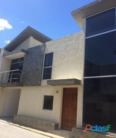 Sky group vende hermoso townhouse de 140m2 en urbanización manantial