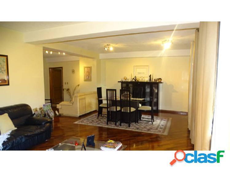 En venta Amplio y lujoso apartamento en el Parral