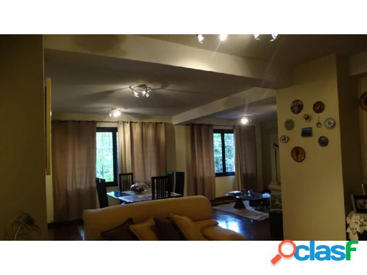 En venta Amplio y lujoso apartamento en el Parral 3