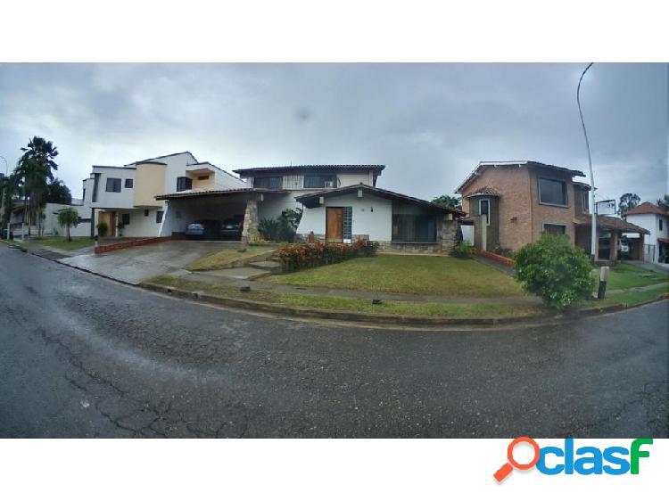 Casa en villas laguna club 20-4482 raga