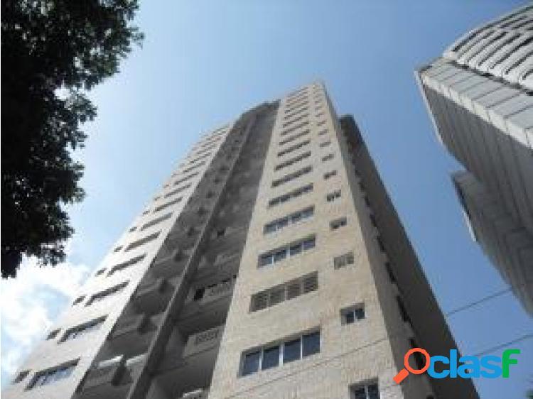 Se vende apartamento en las chimeneas 20-11420 opm