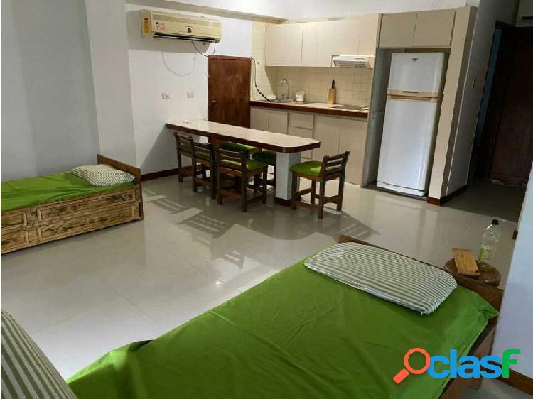 Se vende Apartamento semi amoblado en Tucacas 67mts 2