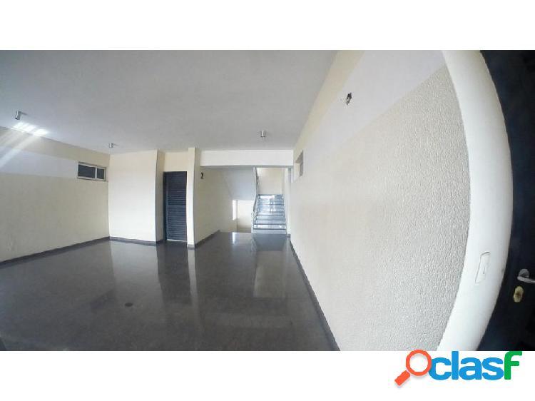 Apartamento en alquiler en barquisimeto este, al 20-6066