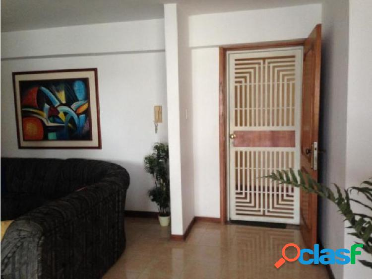 Apartamento en El Parral 20-7723 LlN 3
