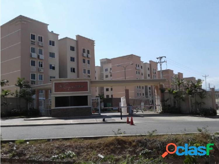 Apartamento en Venta en el Este de Barquisimeto 20-11354 EY