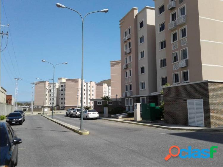 Apartamento en Venta en el Este de Barquisimeto 20-11354 EY 2