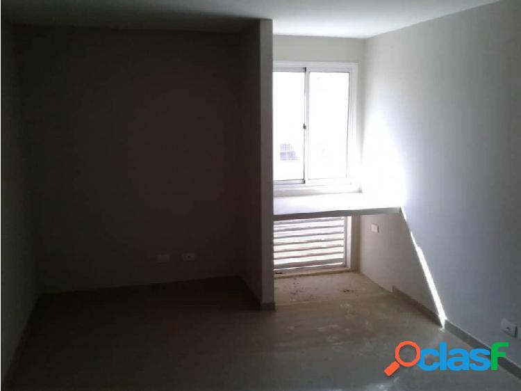 Apartamento en Venta en el Este de Barquisimeto 20-11354 EY 3