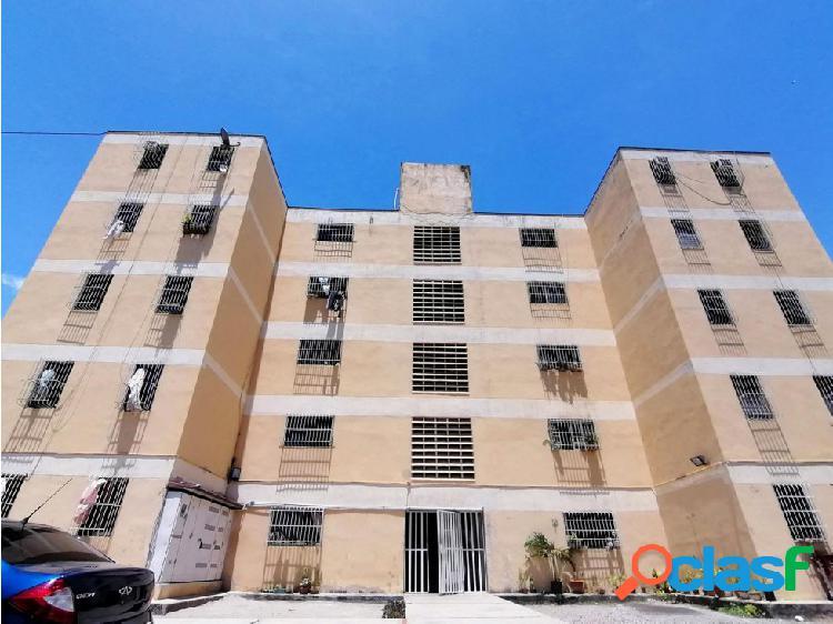 Apartamento en Venta en el Este de Barquisimeto 20-18362 EY