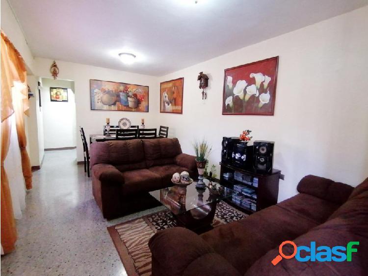 Apartamento en Venta en el Este de Barquisimeto 20-18362 EY 2