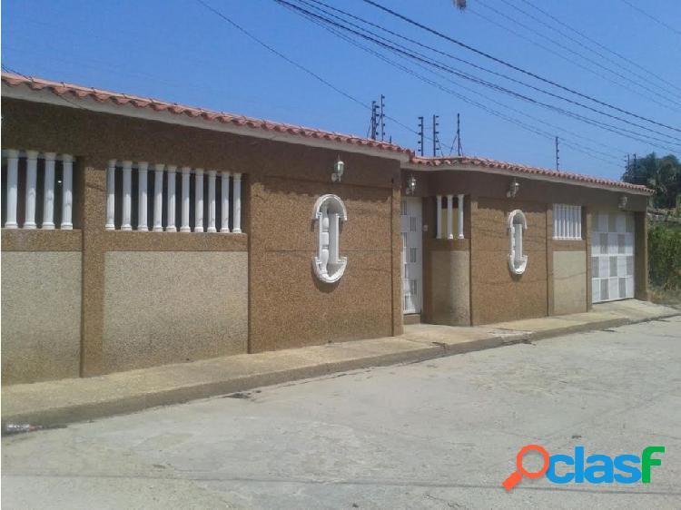 Se vende casa 400m2 5h/4b/3p tacarigua de mamporal