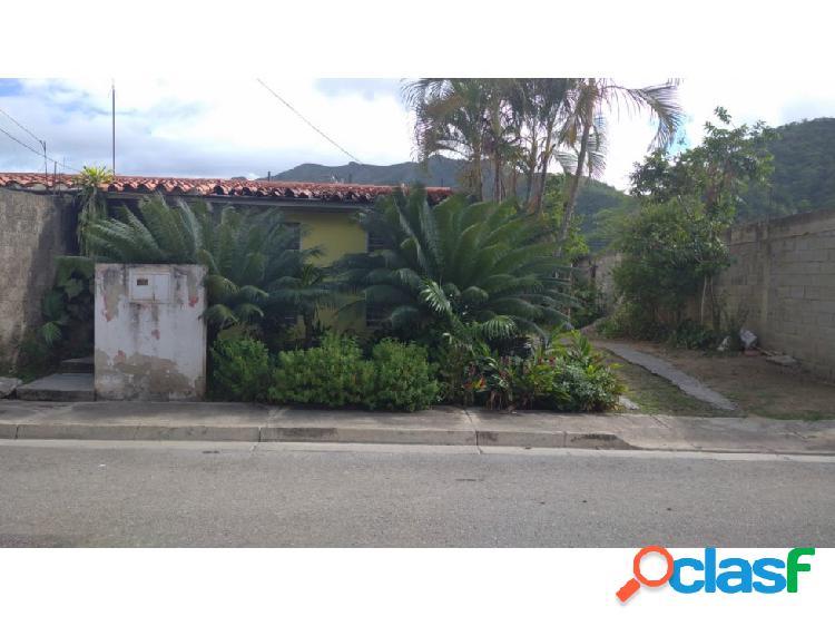 Casa urbanización base sucre, maracay.