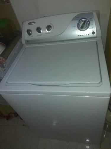 Lavadora automática whirpool de 15 kg en 170 vrds