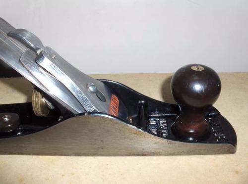 Cepillo liso para carpinteria #6 marca stanley
