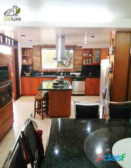 Exclusiva Casa, con un diseño único en su estilo, Urbanización Las Tapias 6