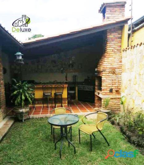 Exclusiva Casa, con un diseño único en su estilo, Urbanización Las Tapias 10