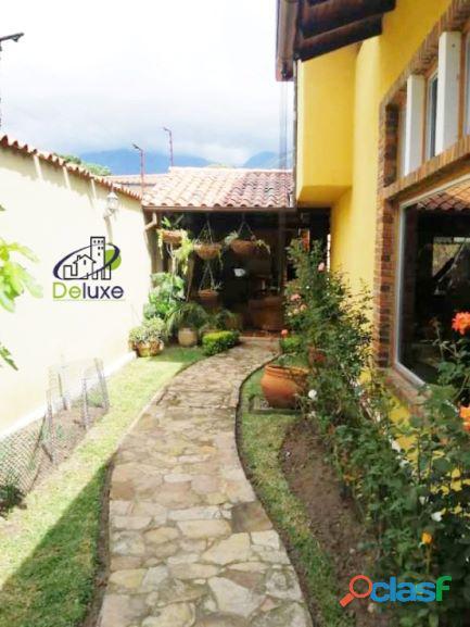 Exclusiva Casa, con un diseño único en su estilo, Urbanización Las Tapias 13