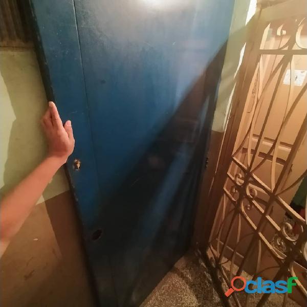 puerta de hierro usada