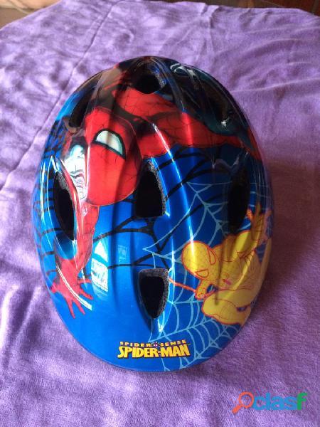 Casco spiderman para niños