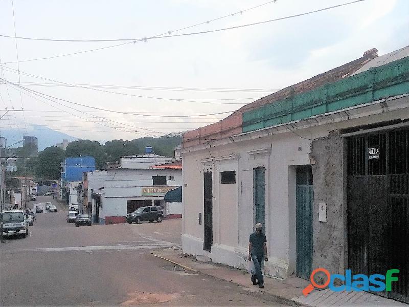SE ALQUILA Local/Galpón en San Cristobal, 160 mt2