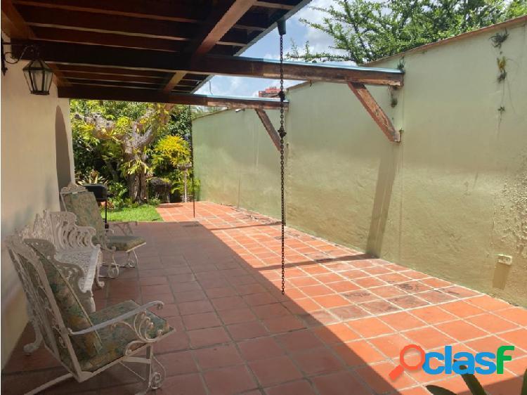 Se vende casa 450m2 4h/5.5b/5p Lomas del Mirador 1