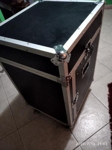 Caja rack de sonido profesional