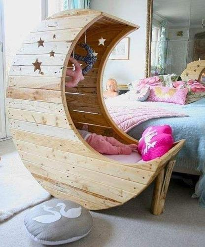 Cunas cama para bebes en forma de media luna en pino