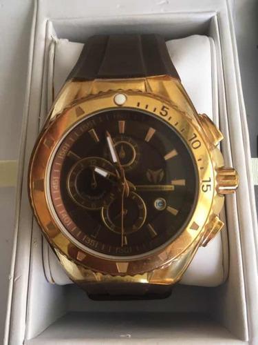 Reloj technomarine dorado original