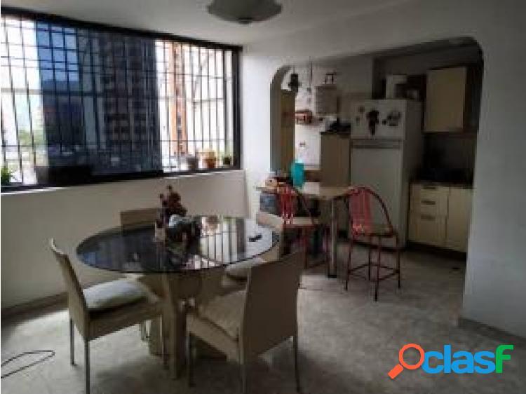 Apartamento en venta en la granja cod 20-20660 opm