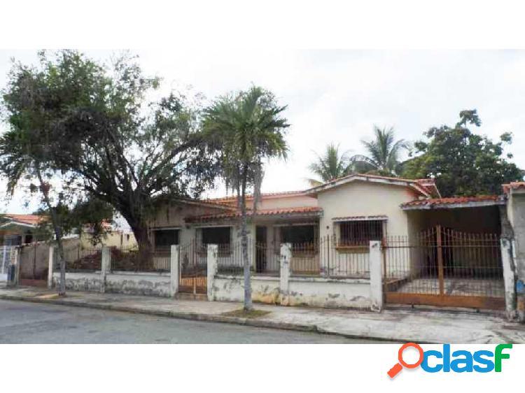 Casa en venta en Valles de Camoruco Valencia 20-5633 P1JJL